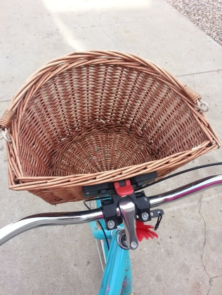 Visions of fresh baked bread, imported cheeses, & a lovely bottle of red wine dance thru my head when I see this basket!
