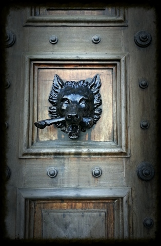 Downton Abbey wolf welcome